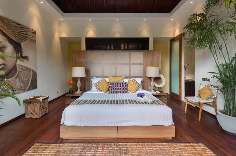 Bedroom with Wooden Floor - Villa Eshara - Seminyak, Bali