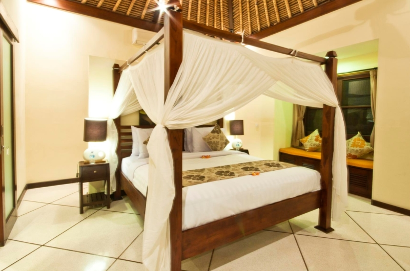 Four Poster Bed - Villa Gading - Seminyak, Bali