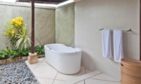 Semi Open Bathtub - Villa Gading - Seminyak, Bali
