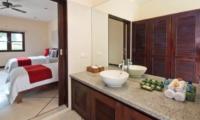 Bathroom with Mirror - Villa Gading - Seminyak, Bali
