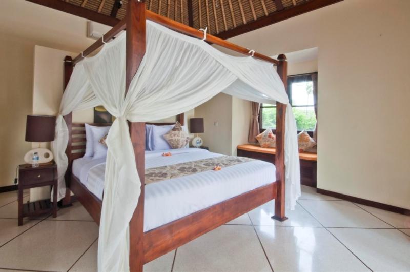 Bedroom with Sofa - Villa Gading - Seminyak, Bali