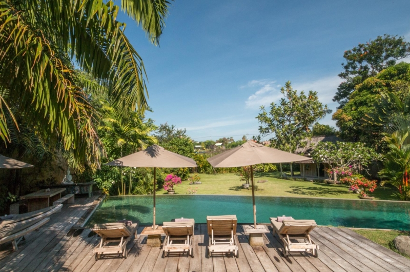 Pool Side Loungers - Villa Galante - Umalas, Bali