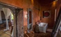 Bedroom and En-Suite Bathroom with Wooden Floor - Villa Galante - Umalas, Bali