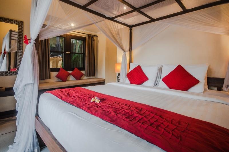 King Size Bed - Villa Gembira - Seminyak, Bali