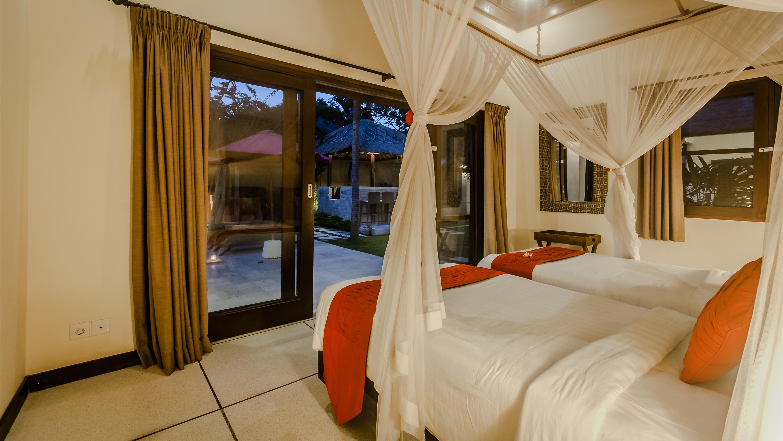Twin Bedroom with Garden View - Villa Gembira - Seminyak, Bali