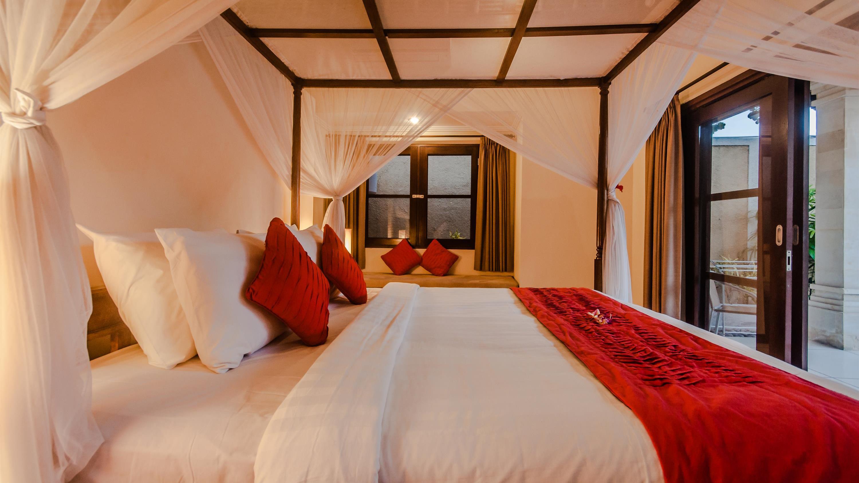 Bedroom with Seating Area - Villa Gembira - Seminyak, Bali