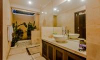 Semi Open Bathroom - Villa Gembira - Seminyak, Bali
