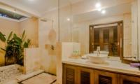 Bathroom with Shower - Villa Gembira - Seminyak, Bali
