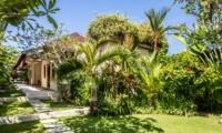 Gardens - Villa Gembira Batubelig - Batubelig, Bali