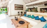 Living Area - Villa Gembira Batubelig - Batubelig, Bali