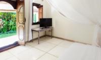 Bedroom with View - Villa Gembira Batubelig - Batubelig, Bali