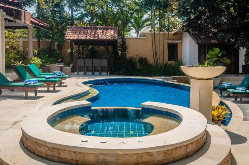 Pool Side Jacuzzi - Villa Ginger - Seminyak, Bali