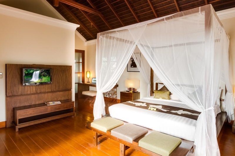 Bedroom with TV - Villa Gita Ungasan - Ungasan, Bali