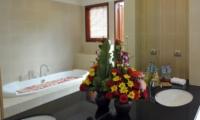 Romantic Bathtub Set Up - Villa Griya Atma - Ubud, Bali