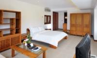 Bedroom with TV - Villa Griya Atma - Ubud, Bali