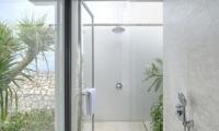 Bathroom with Shower - Villa Hamsa - Ungasan, Bali