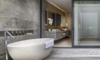 Bathroom with Bathtub - Villa Hamsa - Ungasan, Bali