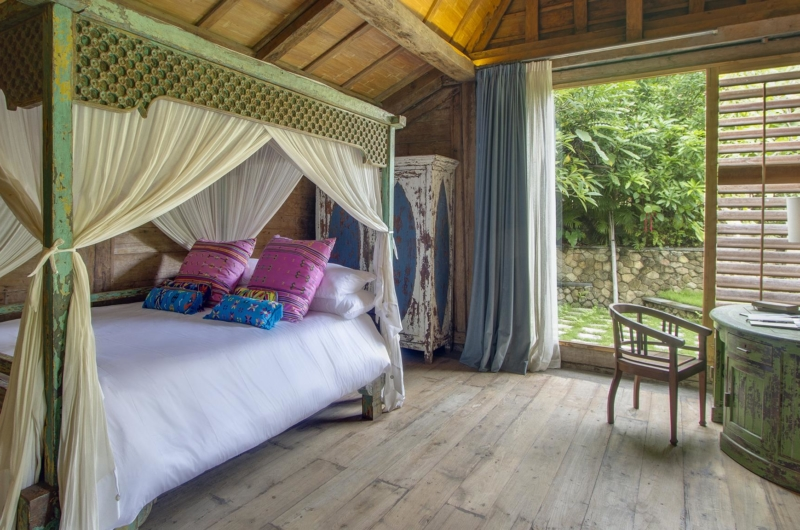 Bedroom with Wooden Floor - Villa Hansa - Canggu, Bali