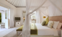 Room with TV - Villa Hermosa - Seminyak, Bali