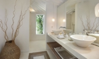 His and Hers Bathroom - Villa Hermosa - Seminyak, Bali