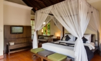Bedroom with TV - Villa Indah Ungasan - Uluwatu, Bali