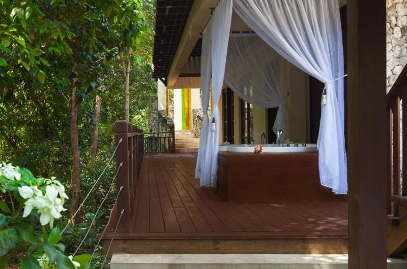 Outdoor Bathtub - Villa Indah Ungasan - Uluwatu, Bali