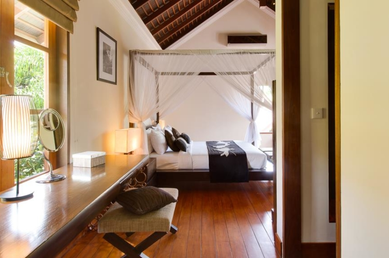 Bedroom with Study Table - Villa Indah Ungasan - Uluwatu, Bali