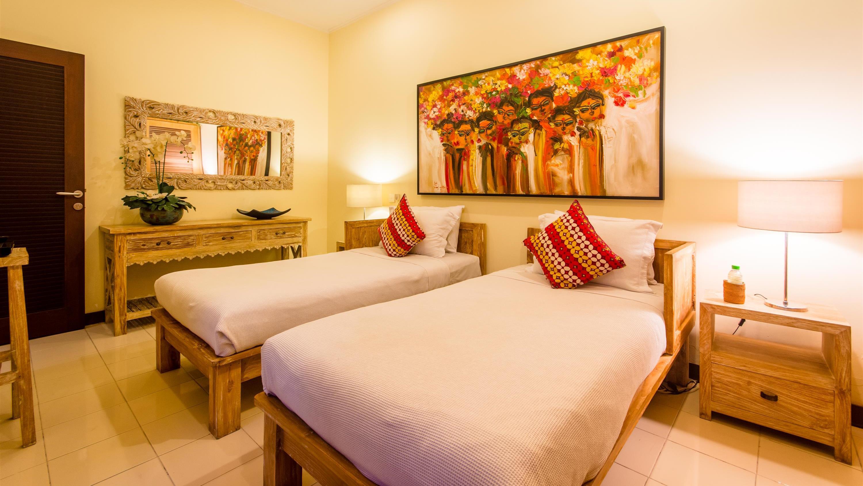 Bedroom with Twin Beds - Villa Intan - Seminyak, Bali
