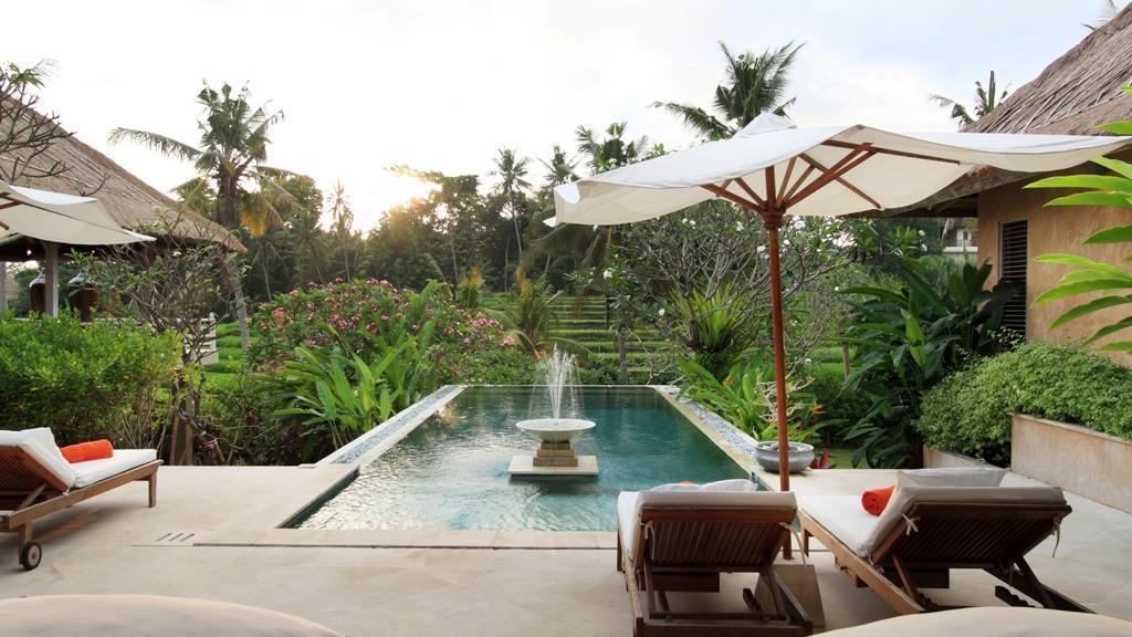 Bedroom with Mosquito Net - Villa Inti - Canggu, Bali