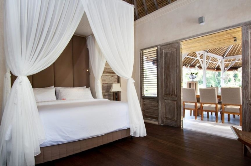 Bedroom with Wooden Floor - Villa Inti - Canggu, Bali