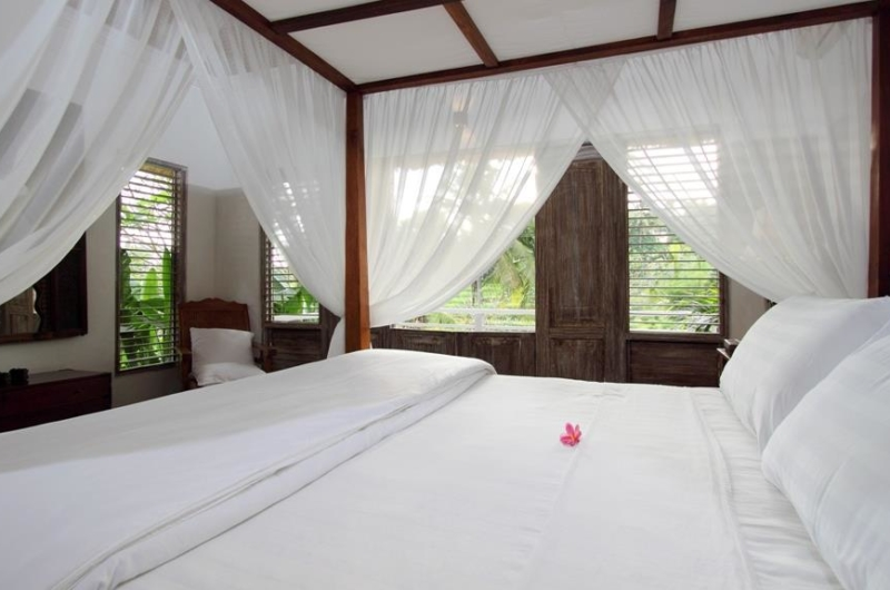 Four Poster Bed with TV - Villa Inti - Canggu, Bali