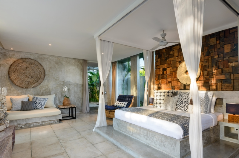 Spacious Bedroom with Sofa - Villa Ipanema - Canggu, Bali