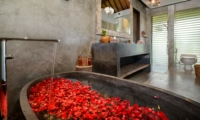 Bathtub with Rose Petals - Villa Ipanema - Canggu, Bali