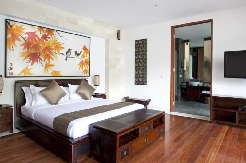 Bedroom with TV - Villa Iskandar - Seseh, Bali