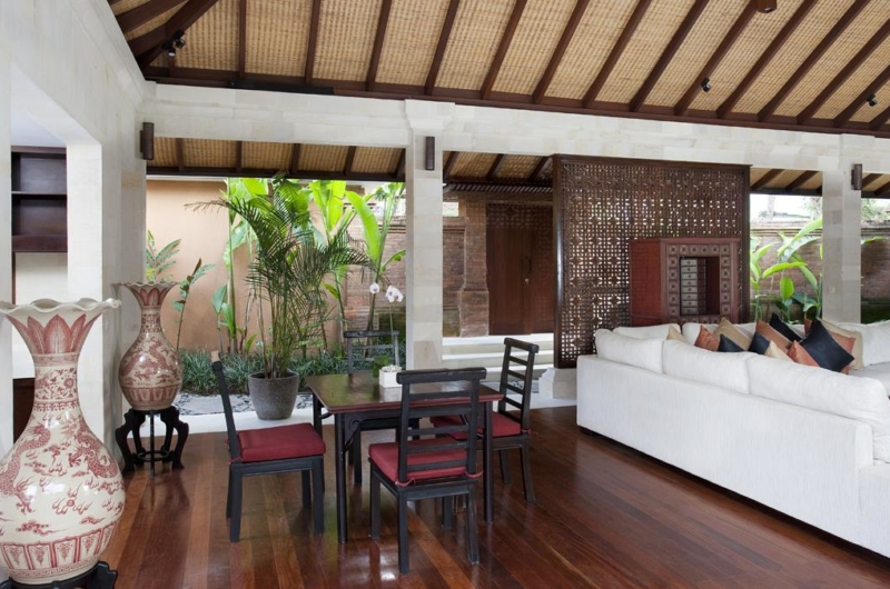 Living and Dining Area - Villa Iskandar - Seseh, Bali