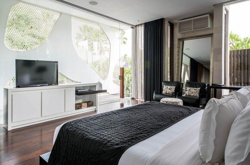 Bedroom with TV - Villa Issi - Seminyak, Bali