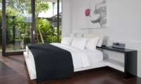 Bedroom with Garden View - Villa Issi - Seminyak, Bali
