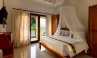 Bedroom with Mosquito Net - Villa Istana Dua - Seminyak, Bali