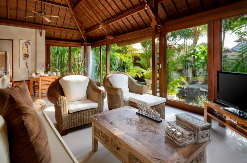 Bedroom with Seating Area - Villa Istana Satu - Seminyak, Bali