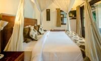 Bedroom with Mosquito Net - Villa Jaclan - Seminyak, Bali