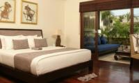 Bedroom with Wooden Floor - Villa Jemma - Seminyak, Bali