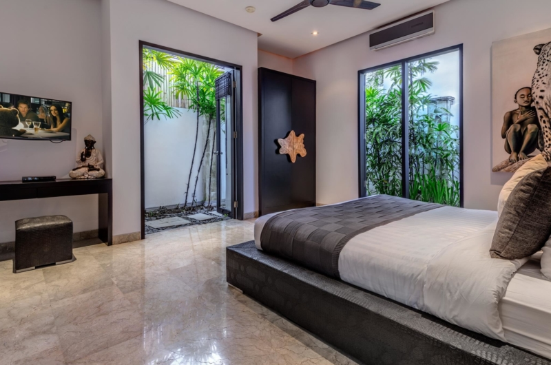 Spacious Bedroom with TV - Villa Jepun Residence - Seminyak, Bali