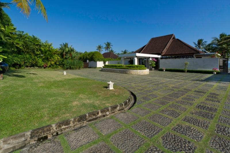 Entrance View - Villa Kailasha - Tabanan, Bali