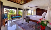 Bedroom with Sofa - Villa Kakatua - Canggu, Bali
