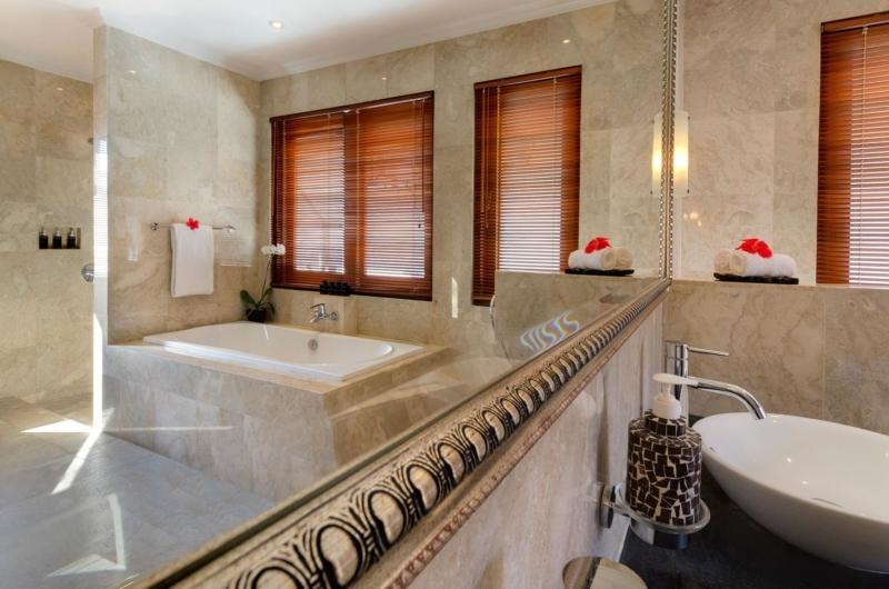 En-Suite Bathroom - Villa Kalimaya Four - Seminyak, Bali