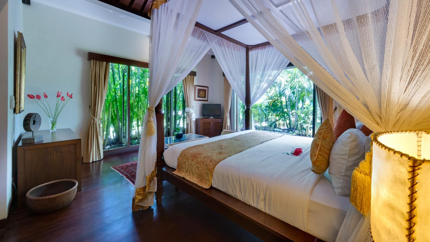 Bedroom with TV - Villa Kalimaya One - Seminyak, Bali