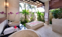 Romantic Bathtub Set Up - Villa Kalimaya One - Seminyak, Bali