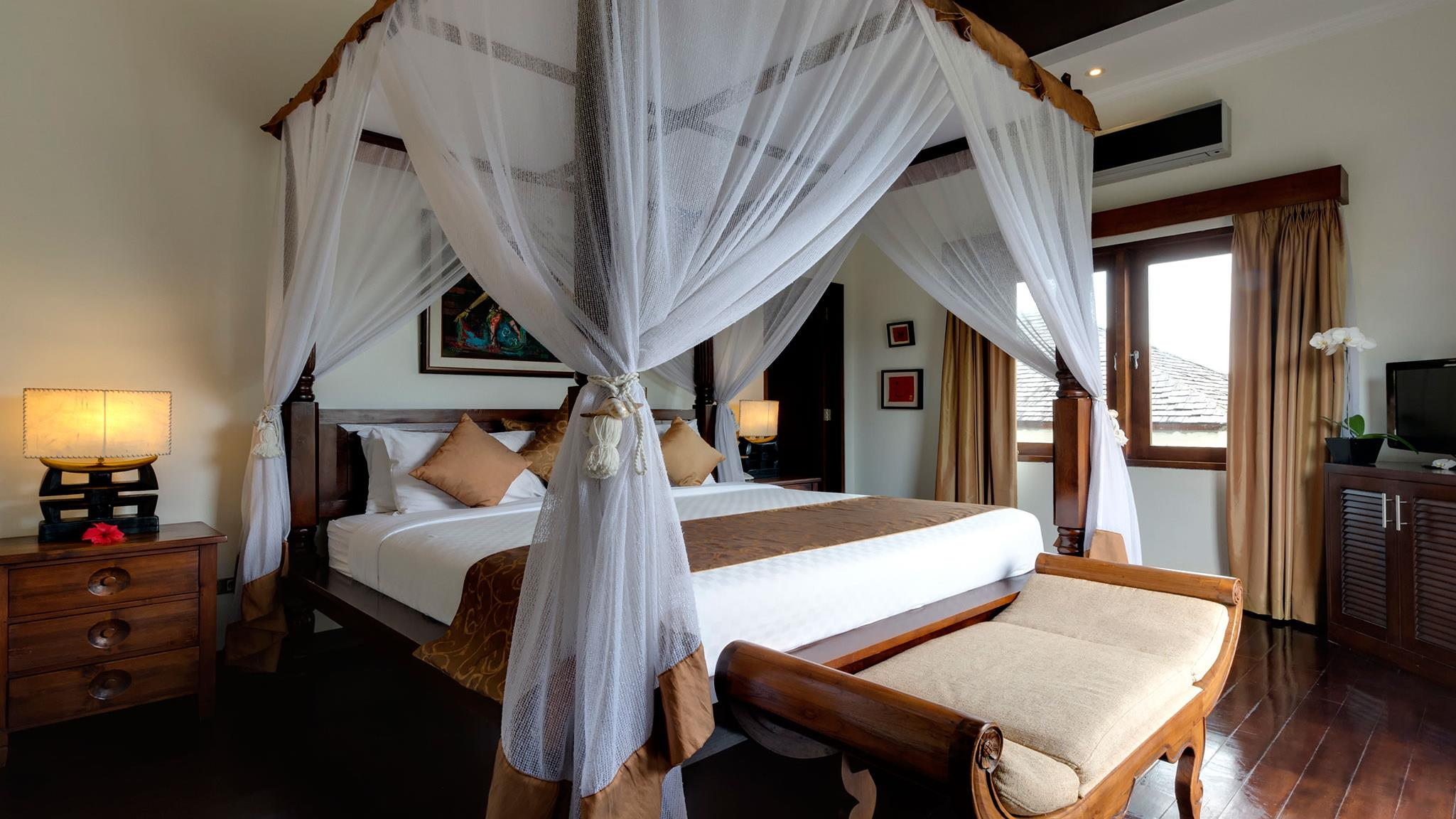 Bedroom with Side Lamps - Villa Kalimaya Three - Seminyak, Bali