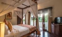 Four Poster Bed with TV - Villa Kalimaya Three - Seminyak, Bali