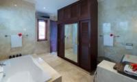 Bathroom with Bathtub - Villa Kalimaya Three - Seminyak, Bali